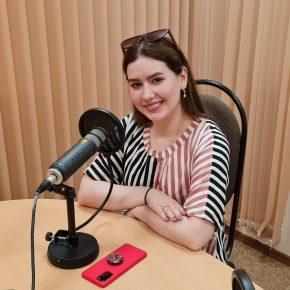 Гость утреннего эфира студентка 3 курса московского института культуры Анна Бизяева