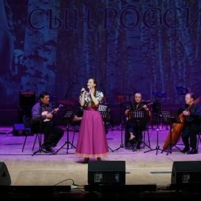 "МАРТА СЕРЕБРЯКОВА - солистка ""Пензаконцерта"" и оркестра ""Пенза"". Звучат песни ""Жигули"", ""Колечко"" и ""Лада"""