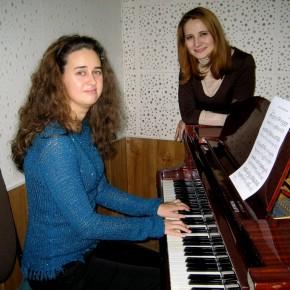 Екатерина Миленькая и Ирина Одуло - поющие журналисты
