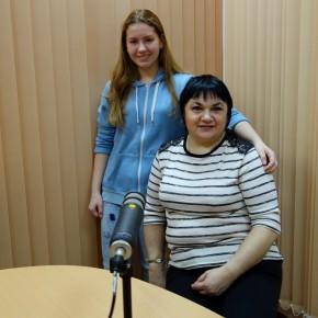 Встреча с ученицей ДМШ№15, исполнительницей русских народных песен Анной Бизяевой и ее педагогом Людмилой Артамоновой
