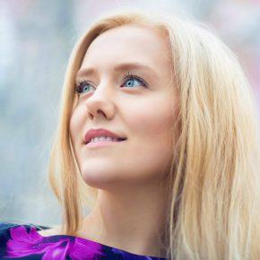ЮЛИЯ НАГАЕВА - наша землячка, певица, актриса, член Российского союза писателей