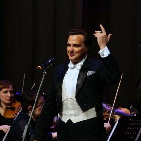 Интервью с артистом Московского театра оперетты Петром Борисенко