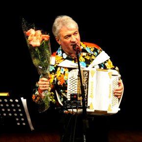 Репортаж с концерта заслуженного артиста России Валерия Сёмина в Пензе