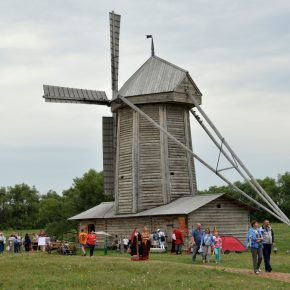 """17 августа. В музее-заповеднике """"Тарханы"""" прошла ярмарка в традициях 19 века"""
